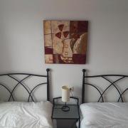 Apt Normal: Second bedroom